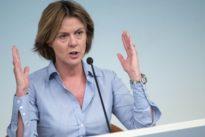 Lorenzin: «I No Vacs mettono a rischio non solo i loro bambini»