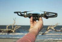 Spark, il mini-drone che scatta selfie e si comanda a gesti