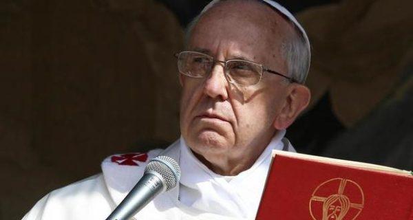 Papa Francesco, appello contro la corruzione: «Combattiamo questa piaga sociale»