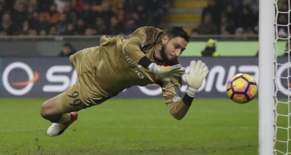 Renzi: dispiace per Donnarumma, ancora nel cuore l'addio di Totti