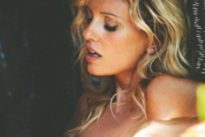 «La mia soluzione per il caldo? Spogliatevi»: Justine Mattera nuda su Instagram