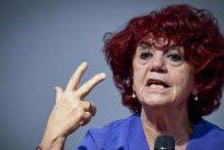 Scuola, il ministro Fedeli annuncia: «52 mila nuovi docenti assunti entro il 14 agosto»