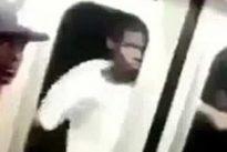 New York, viaggia attaccato fuori dal vagone della metro: il video della bravata diventa virale