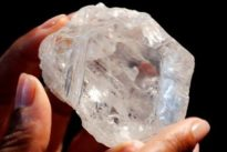 Il diamante del secolo battuto all'asta per 53milioni di dollari