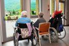 Como, pensionata 80enne uccide 94enne in casa di riposo: incastrata dalle telecamere