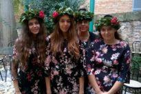 Urbino, festa quadrupla: la mamma si laurea in lingue insieme alle 3 figlie