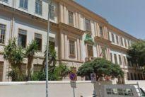 Palermo, «Vietato pregare»: il preside della scuola elementare leva anche la foto del Papa