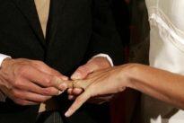 Lo sposo si sente male all'altare, il matrimonio si sposta in ospedale