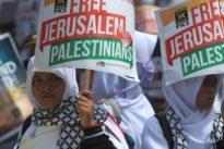 Gerusalemme, Erdogan: «Israele Stato terrorista». Netanyahu: «Non accetto ipocrisia dell'Europa». Vertice con Macron