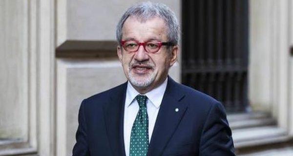 Maroni cerca la pace con Salvini e si chiama fuori anche dalle elezioni politiche