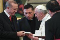 Il presidente turco Erdogan dal Papa: poi incontra Mattarella e Gentiloni