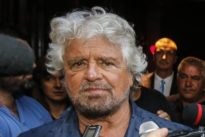 """Grillo: «Forse l'epoca del """"vaffa"""" è finita. Fate un governo perché sto impazzendo»"""