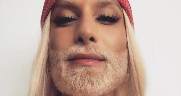 Che barba, Conchita Wurst ha cambiato look: bionda in onore di Hulk Hogan