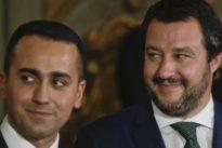 Migranti, Salvini: «Porti chiusi alle navi militari internazionali». Ma la Difesa: «Non gli compete»