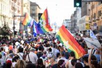 """Al campo estivo della materna c'è la """"Giornata del gay pride"""": scoppia la bufera"""