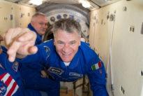 Apriti Spazio, tra due anni i primi turisti e l'astronauta Paolo Nespoli dice: «Prenoterò anch'io on line»
