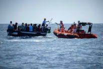 Migranti, tunisi frena sui rimpatri lampo: martedì vertice con il Paese africano sui charter