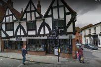 Caso Skripal, a Salisbury torna la paura: malore per una coppia al ristorante, locale isolato