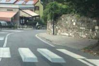Trieste, si alzano per far rallentare gli automobilisti: ecco le strisce pedonali in 3D