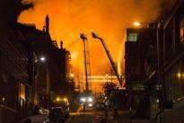 Enorme incendio a Glasgow, di nuovo a fuoco la scuola d'arte