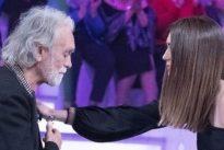 Riccardo Fogli scoppia a piangere a Verissimo: «Quando ti toccano la famiglia…». Silvia Toffanin ferma l'intervista