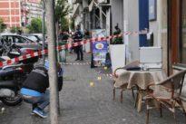 Spari tra la folla a Napoli, Noemi dalla gioia all'inferno: «Sguardo assente, non piangeva»
