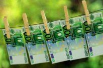 Il lavoro dei sogni esiste: 2.000 euro al mese per 2 minuti al giorno, ma bisogna attendere il 2025