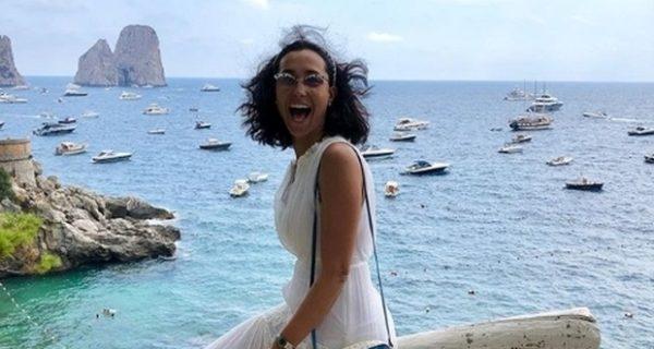 Caterina Balivo, critiche social per la foto a Capri: «Chi può permettersela?»