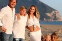Totti, foto di famiglia a Sabaudia: oltre 300 mila like in sei ore Foto