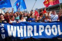 Whirlpool a Napoli, Patuanelli:«Azienda ferma sulla cessione»