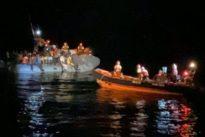 Migranti, soccorso barcone con 73 persone: «Alcune con ferite da armi da fuoco». Molti sono minori